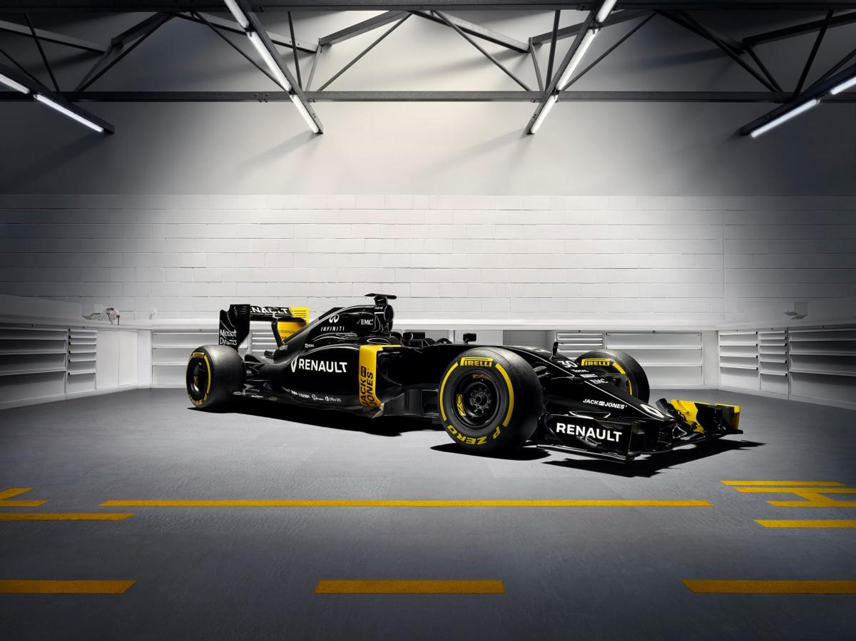 Bell & Ross Ventures into Formula One